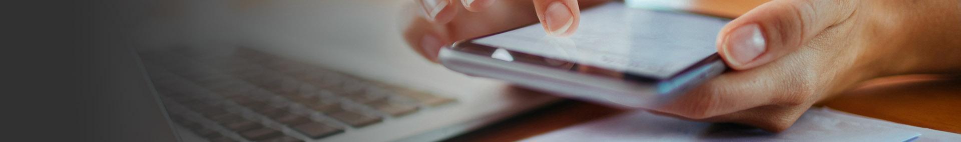 Pisanie wiadomości na telefonie